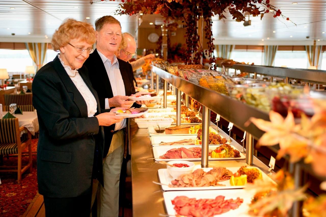 Шведские столы в хороших отелях