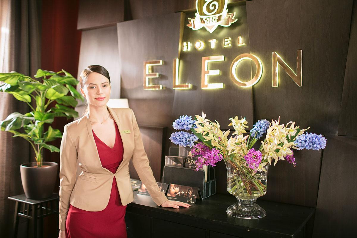 кино про отель элеон